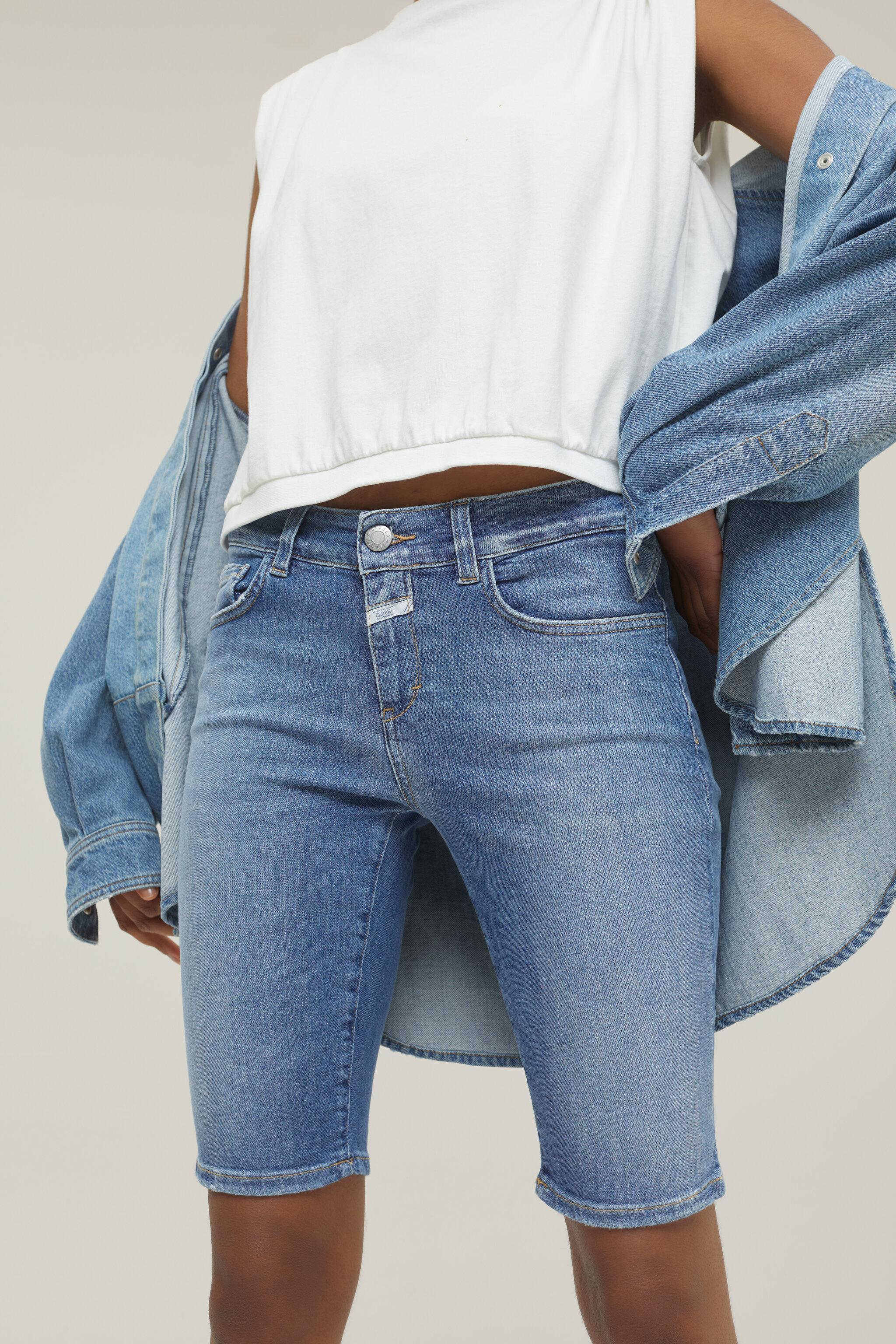 Damen CLOSED  Baker Shorts Blue Super Stretch Denim mid blue   4054736907887
