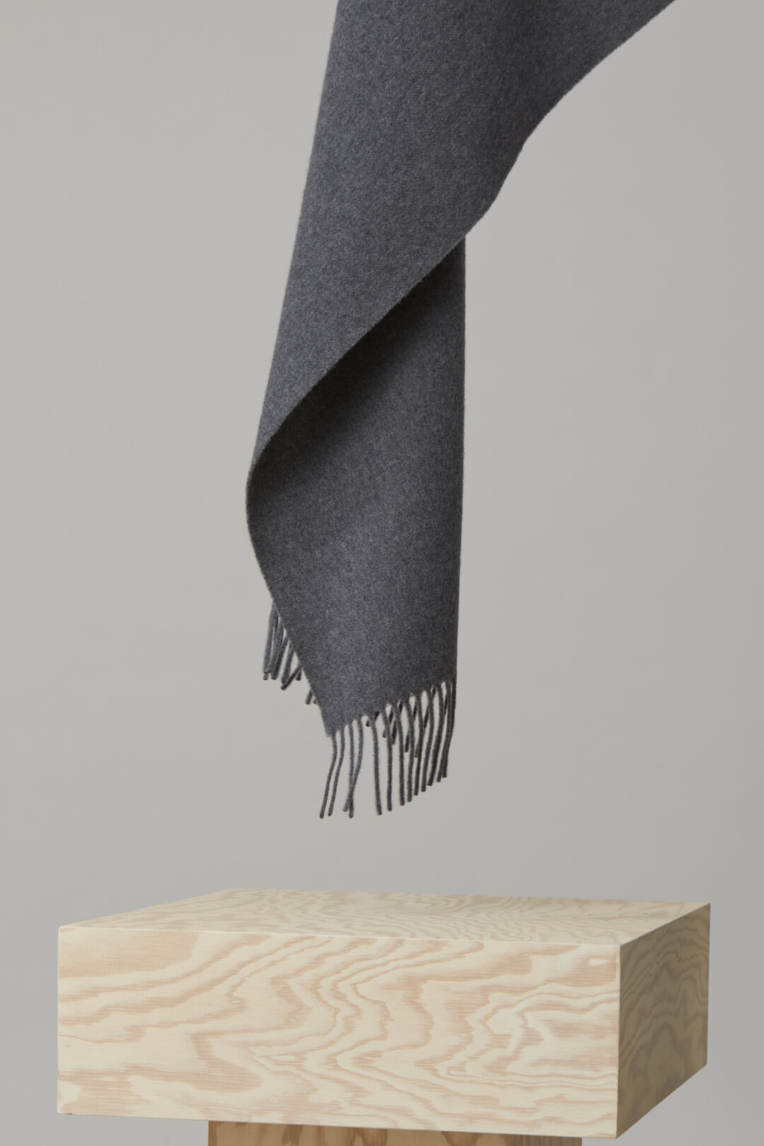 Plain-Coloured Wool Scarf