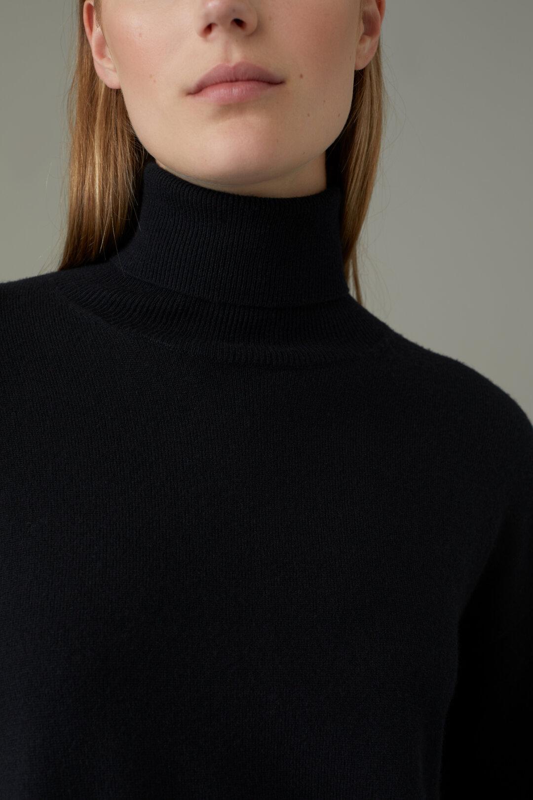 Merino Wool & Cashmere Turtle Neck Sweater