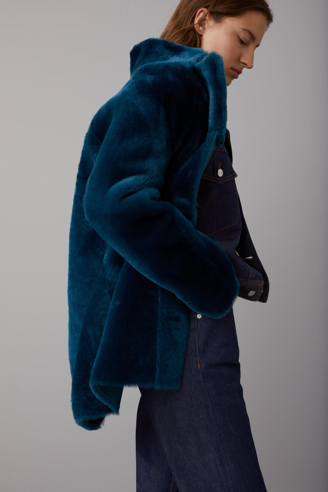 Bubble Pori Reversible Shearling Coat